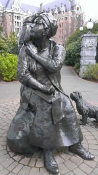 EC Statue